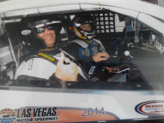 Richard Petty Driving Experience : Billy's ridealong the BEST!!