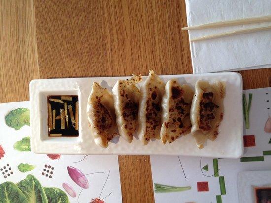Wagamama - Earls Court : very dry meat dumplings