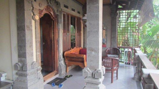 Rumah Roda : balcony