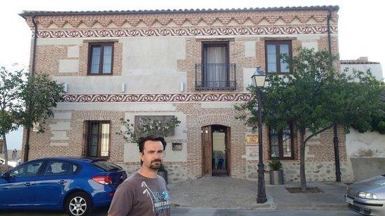 Velayos, España: Entrada de la Hosteria