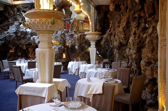 Le Chapon Fin: Le restaurant