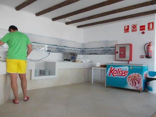 Be Live Experience Lanzarote Beach: pool bar