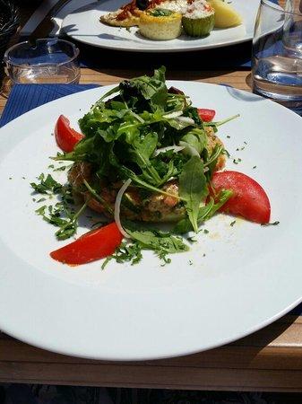 La voile blanche : Tartare saumon
