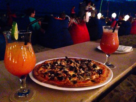 K resto: Pizza with mushroom is the best one