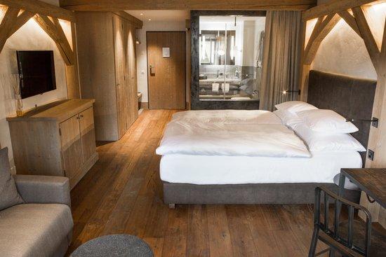 Hotel Bernerhof Gstaad: Zimmer (Doppel- od. Einzelzimmer 2.&3. Etage) Typ Wispile