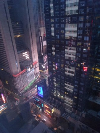Millennium Broadway New York Times Square: 部屋からタイムズスクエア
