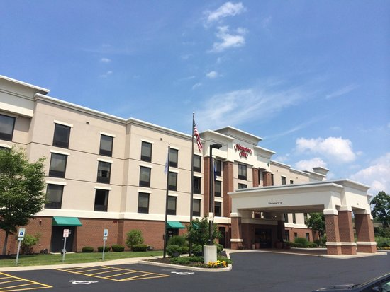Hampton Inn Rochester Webster: Great location. Top notch staff. Pleasant surroundings. It's the latest & greatest!