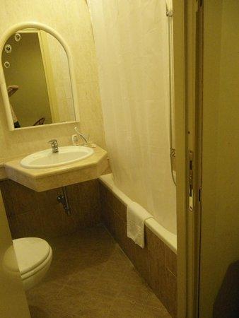 Hotel Quisisana : Baño