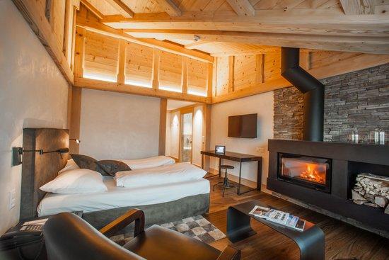 Hotel Bernerhof Gstaad: Rellerli Suite