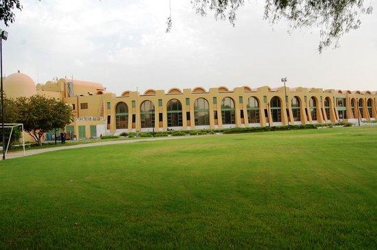 Golden Tulip Al Jazira: Hotel exterior view