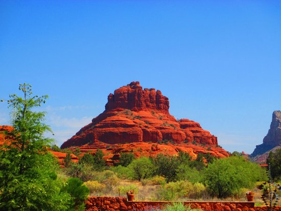Red Agave Resort: Amazing view of Bell Rock from our room