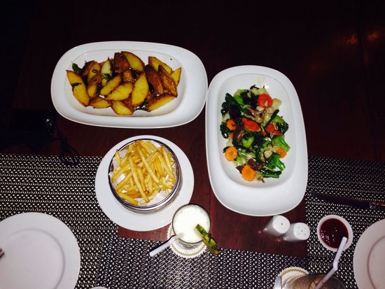 Angkor Palace Resort & Spa: Hotel late night orders