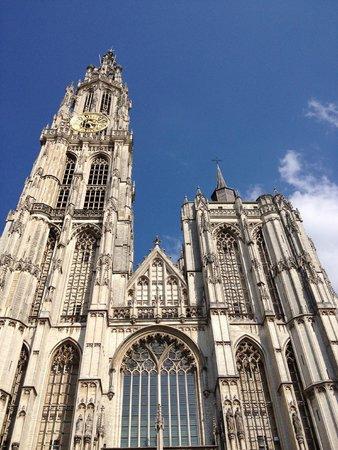 Liebfrauenkathedrale (Onze-Lieve-Vrouwekathedraal): Cathédrale Notre-Dame d'Anvers : la façade