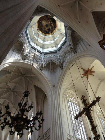 Liebfrauenkathedrale (Onze-Lieve-Vrouwekathedraal): Cathédrale Notre-Dame d'Anvers : la croisée du transept