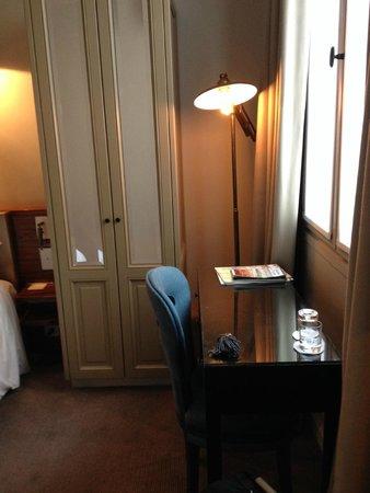 Hotel Verneuil Saint-Germain: Room 305