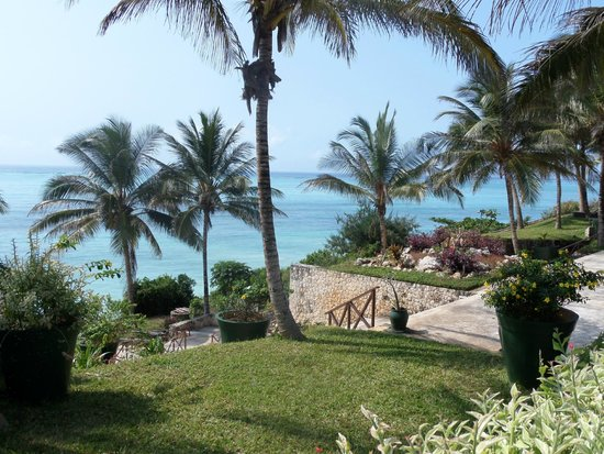 Melia Zanzibar: view from pool
