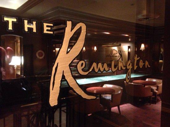 The St. Regis Houston: Classy bar.
