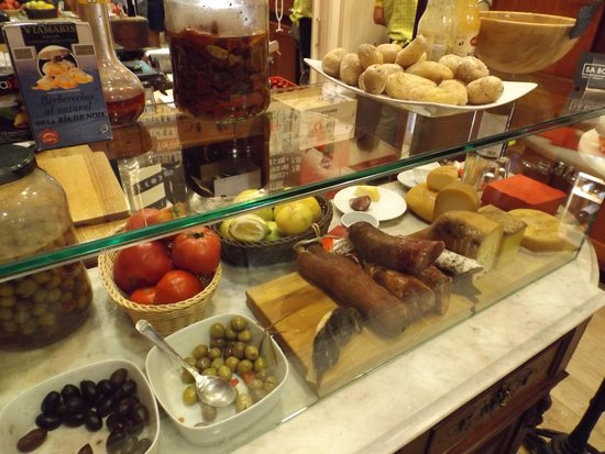 Sa Bodega: the pantry
