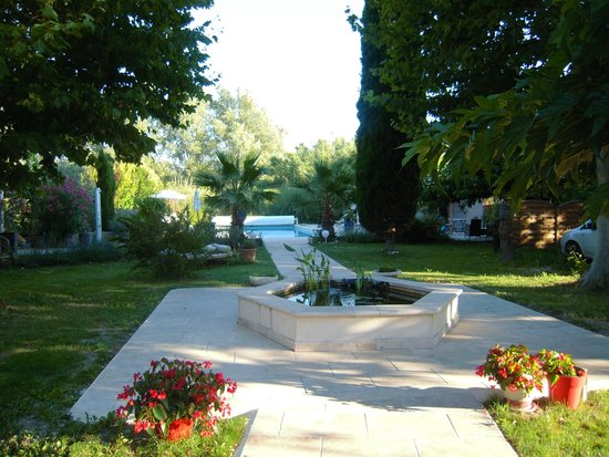 Mas Cantarelles: Le jardin