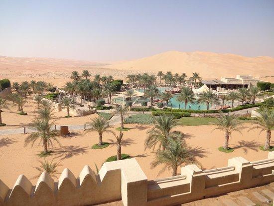 Qasr Al Sarab Desert Resort by Anantara: Vue de la chambre