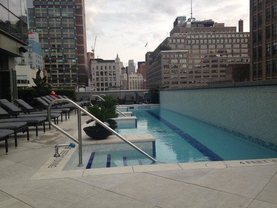 Trump SoHo New York: Lovely pool