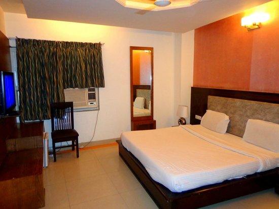 Hotel Delhi 37: Premium Room