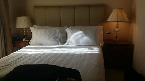 Golden Tower Hotel & Spa : King Size Bed