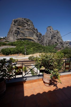 Dellas Boutique Hotel: View of Meteora from Room