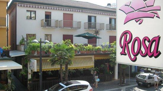 Hotel Rosa: вид с балкона