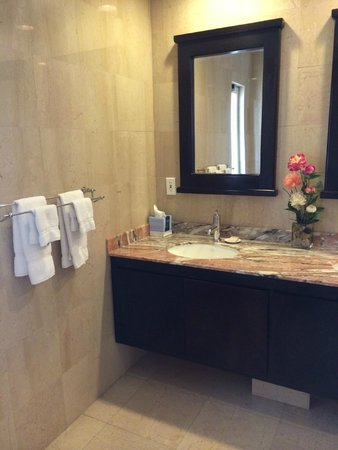 Princess Heights Hotel: Fantastic Bathroom