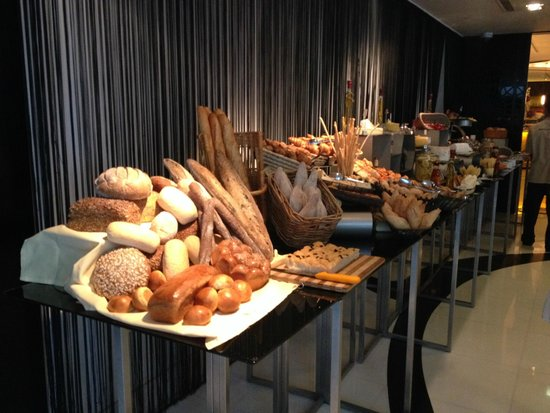 Market by Jean-Georges : Breads & Bakery