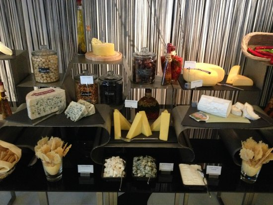 Market by Jean-Georges : Cheese Counter