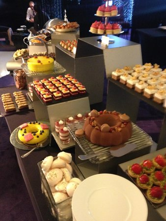 Market by Jean-Georges : Sweeeeeets & Cakes