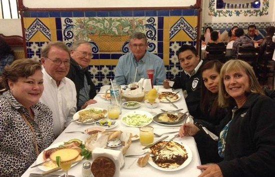 Cafe de Tacuba : Travel buddies!