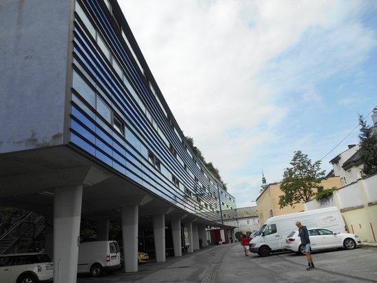 AllYouNeed Hotel Salzburg: Vista dell'albergo.
