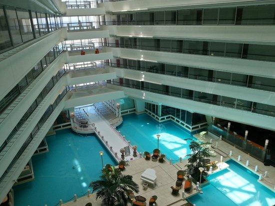 Sheraton Okinawa Sunmarina Resort : View inside hotel