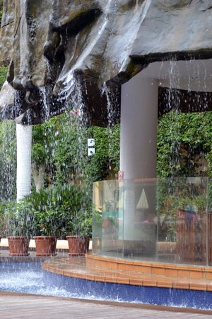 Hotel Best Jacaranda : Cascata
