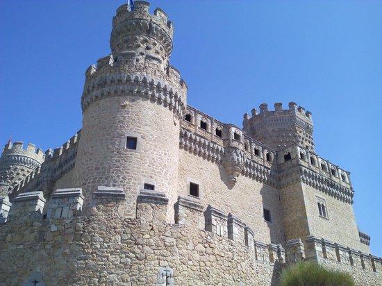 Castillo de los Mendoza (Castillo nuevo de Manzanares El Real): Castillo desde fuera