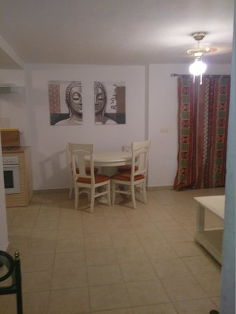 The Olive Branch: Apartment Dining Area