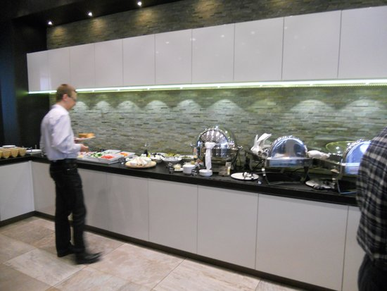 Holiday Inn Vilnius: ampio self service al mattino