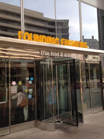 Founding Farmers : Front Entrance