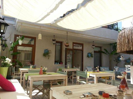 Peri Art Hotel: Büyüleyici huzurlu avlu