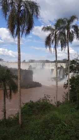 Cataratas del Iguazú: Mas cataratas