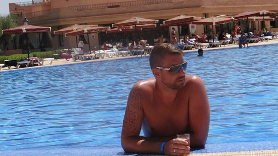 Marrakech Ryads Parc & Spa : chillin in the pool