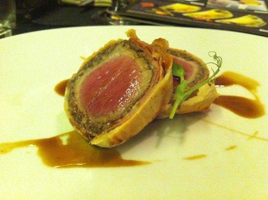 International SV: Main Course: Beef Wellington