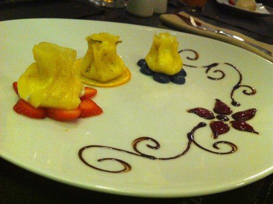 International SV: Dessert: Pineapple Ravioli