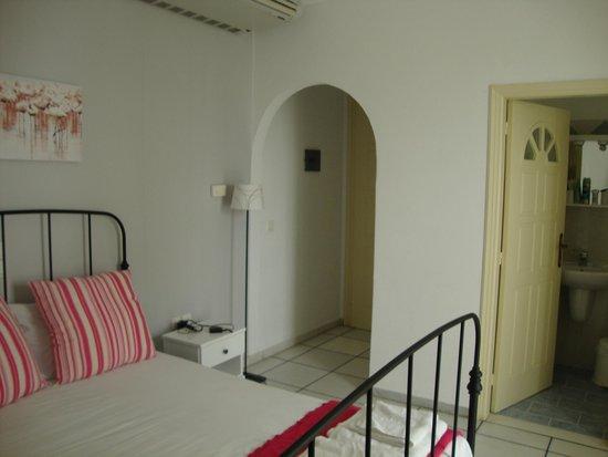 Camara Hotel : room 22