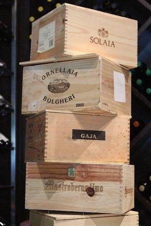 Sassorosso : Impressionante selezione di vino