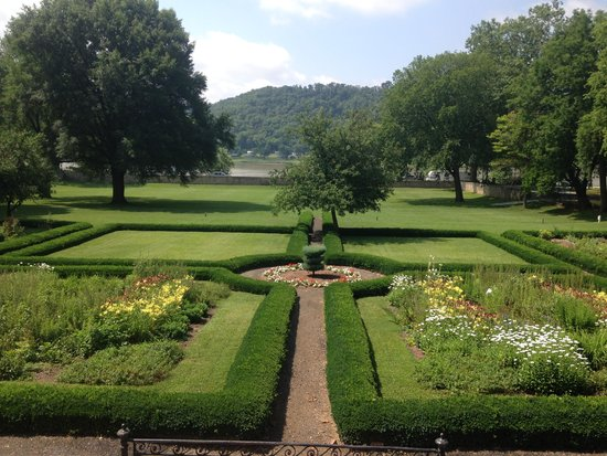 Lanier Mansion: View of the Ohio River