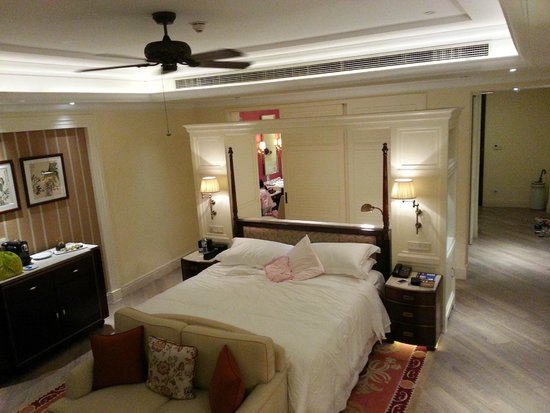 The Royal Begonia, A Luxury Collection Resort Sanya: my beautiful room